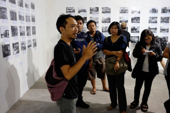 Antariksa at the first tour of The Sweet and Sour Story of Sugar exhibition at Langgeng Art Foundation, Yogyakarta, 28 Nov 2012. Photo: Budi N.D. Dharmawan